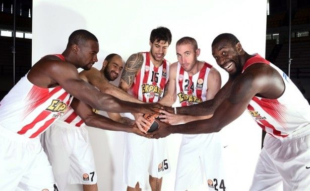 players-olympiacos-piraeus-media-day-2015-eb15