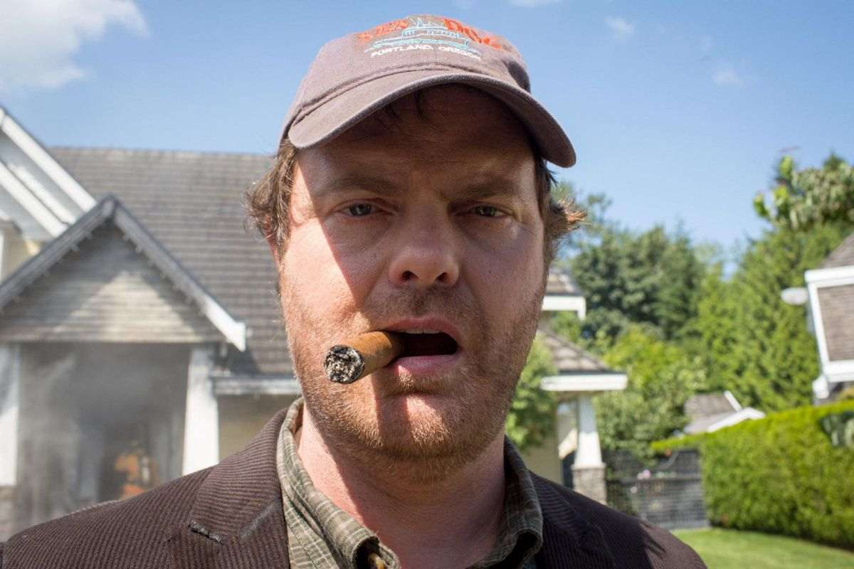 "Backstrom (Rainn Wilson) investigates a case involving a serial arsonist in the ""Bella"" episode of BACKSTROM airing Thursday, Jan. 29 (9:00-10:00) PM ET/PT on FOX. ©2015 Fox Broadcasting Co. Cr: Liane Hentscher/FOX"