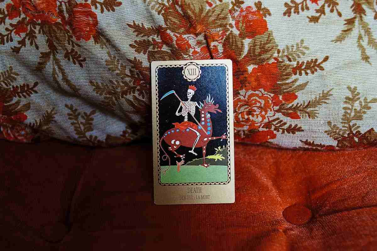 Crveni-sneg-16-smrt-tarot