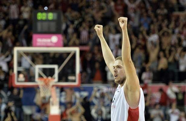 vladimir-stimac-celebrates-crvena-zvezda